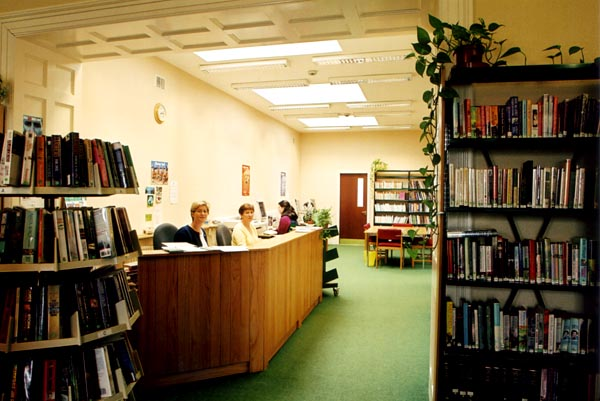 Ballaghaderreen Town Library 03
