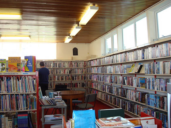 Beddau and Tynant Library 01